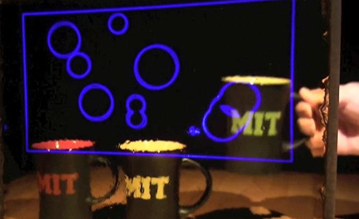 Физики из МИТ создали первый в мире прозрачный проекционный экран
