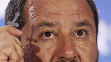 Министр внутренних дел и вице-премьер Италии Маттео Сальвини