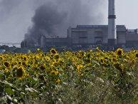 Нефтеперерабатывающий завод недалеко от Лисичанска, Луганская область, Украина