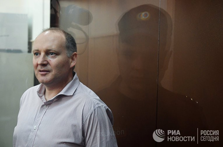 Рассмотрение ходатайства следствия о продлении ареста Ф. Дельпалю