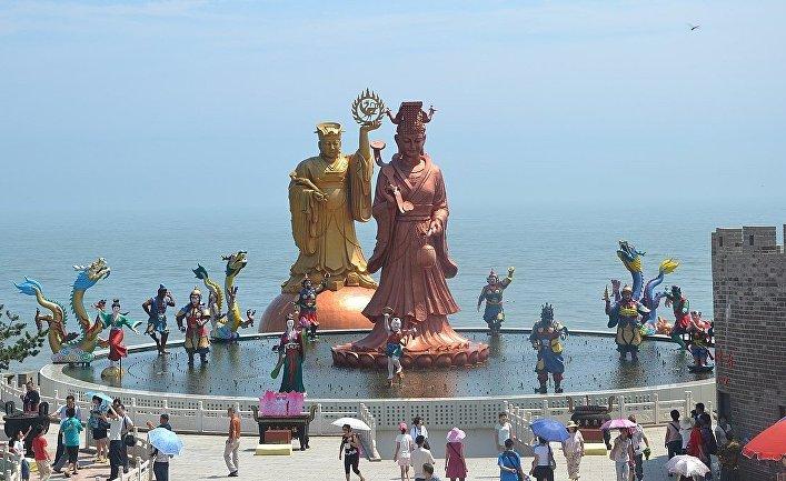 Алтарь-фонтан в Вэйхае, Китай