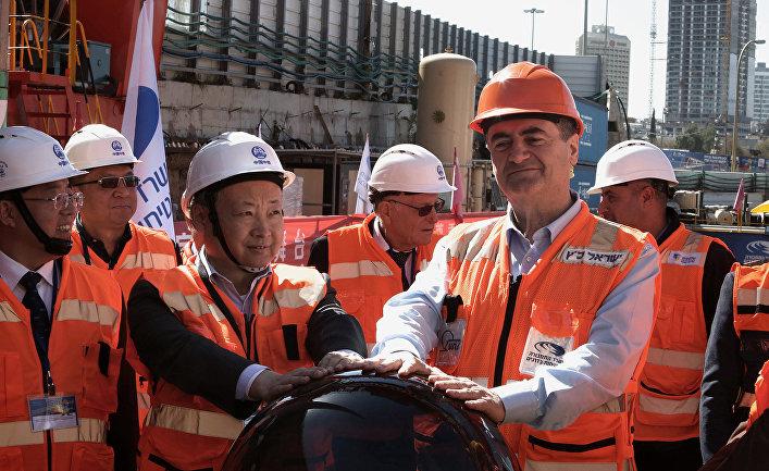Министр транспорта Израиля Исраэль Кацис и посол Китая в Израиле Чжан Юнсинь