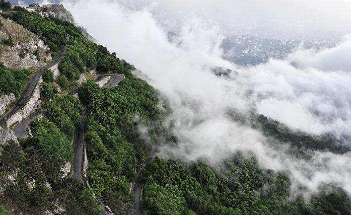 Дорога на горе Ай-Петри, Крым