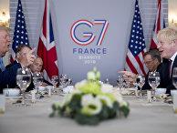 Президент США Дональд Трамп и премьер-министр Великобритании Борис Джонсон на полях саммита G7