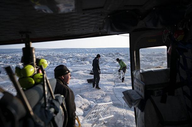 Команда исследователявоздуха иокеана изНью-Йоркского университета Дэвида Холланда