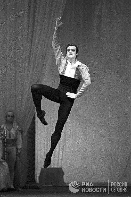 Александр Годунов, танцор Большого театра