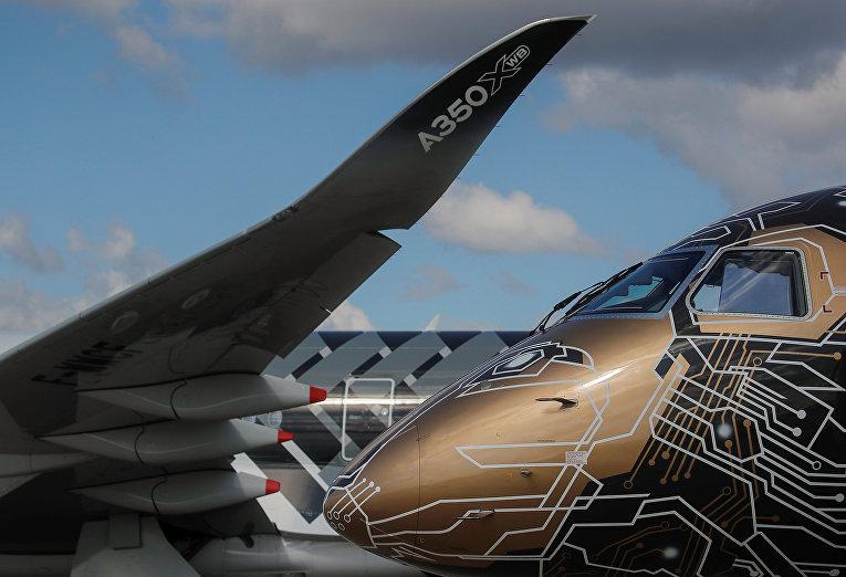 Реактивные лайнеры Embraer E-195 E2 и Airbus A350-950