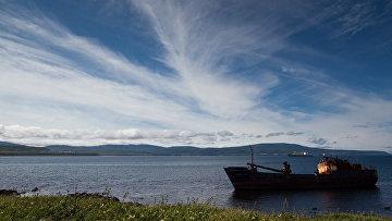 Корабли на острове Итуруп