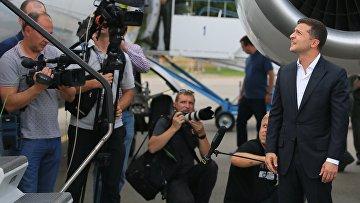 Президент Украины Владимир Зеленский встречает участников договоренности об освобождении между Россией и Украиной