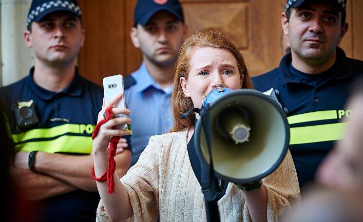 Акция в Тбилиси против назначения премьер-министром Г. Гахарии