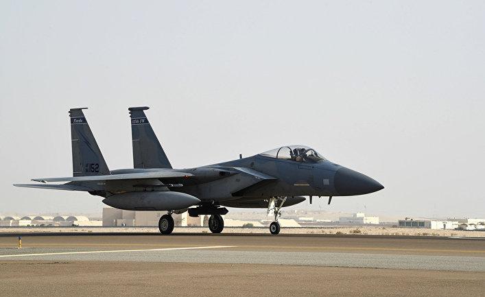 Истребитель F-15 на авиабазе Принц Султан в Саудовской Аравии