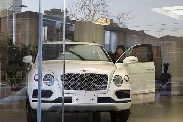 Автомобиль Bentley Motors
