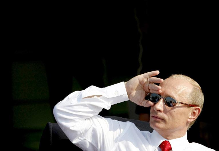 Президент РФ Владимир Путин на военном аэродроме в Жуковском
