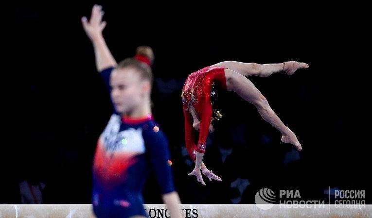 Выступление китайской гимнастки Лю Тинтин