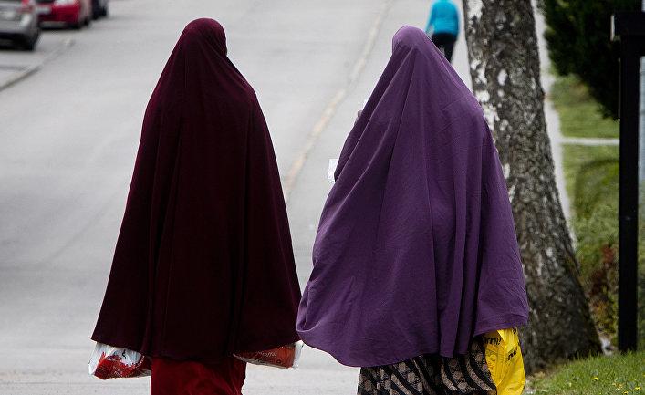 Мигранты из Сомали в городе Флен, Швеция