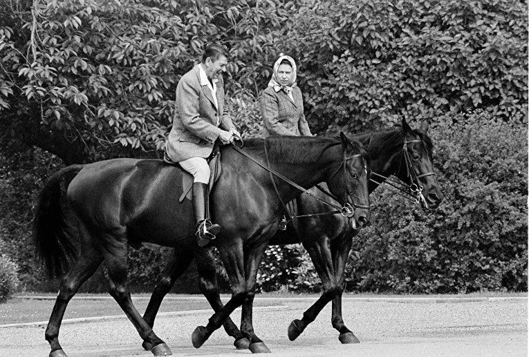 Президент США Рональд Рейган и королева Великобритании Елизавета II
