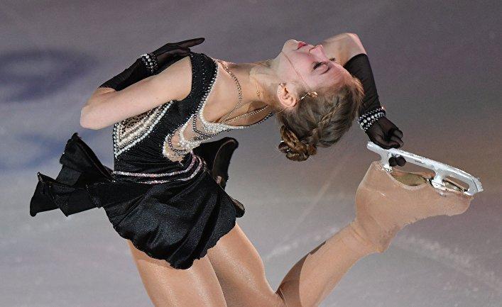 Александра Трусова выступает в показательных выступлениях на чемпионате России