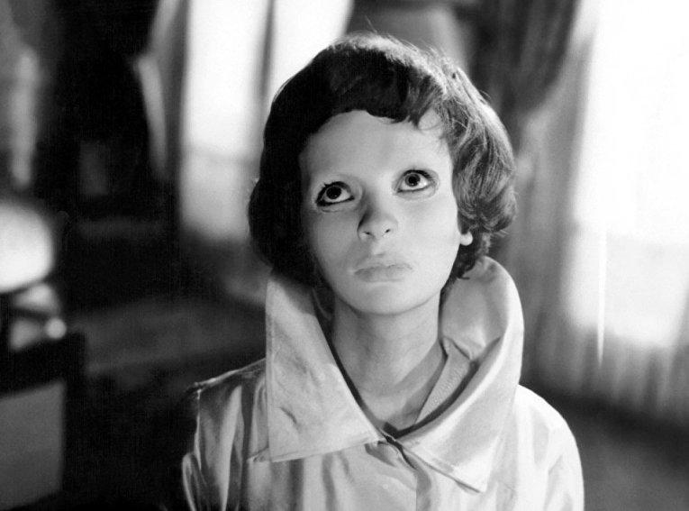 Кадр из фильма «Глаза без лица»
