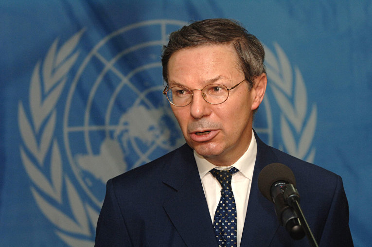 Французский дипломат Жан-Мари Геэнно