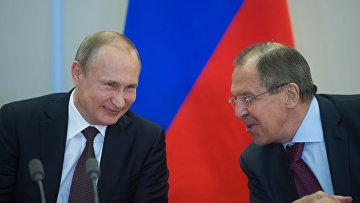Церемония подписания документов по итогам российско-индонезийских переговоров