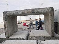 Фрагменты Берлинской стены на Потсдамской площади в Берлине в ноябре 1989 года