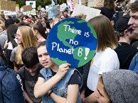 Участники климатической акции протеста в Берлине