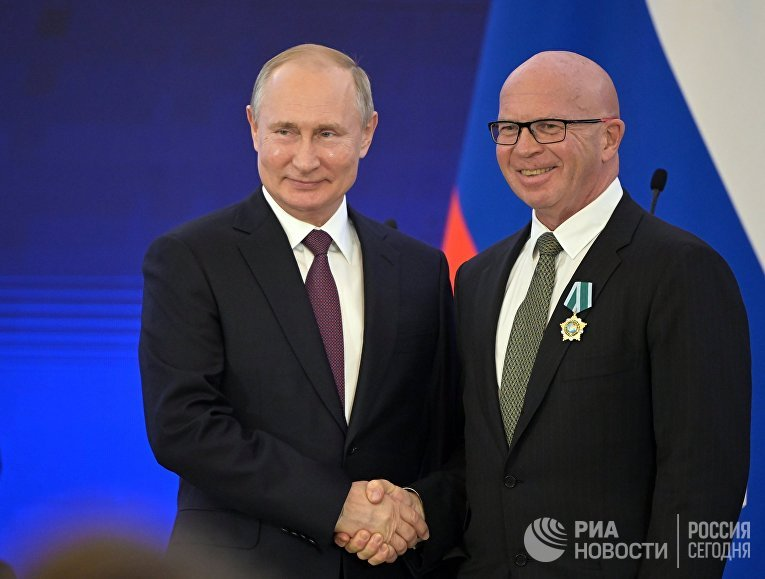 Президент РФ В. Путин принял участие в торжествах по случаю Дня народного единства