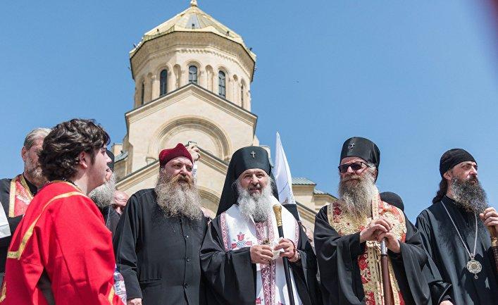Священнослужители в Тбилиси