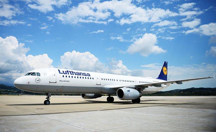 Самолет авиакомпании Lufthansa