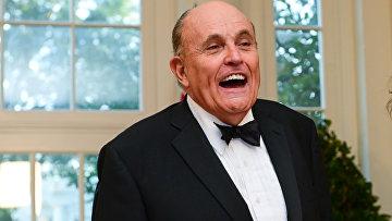 Джулиани прибывает на государственный ужин для премьер-министра Австралии Моррисона в Белый дом в Вашингтоне