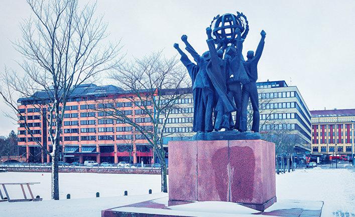 Скульптурная композиция «Мир во всём мире» в Хельсинки, Финляндия