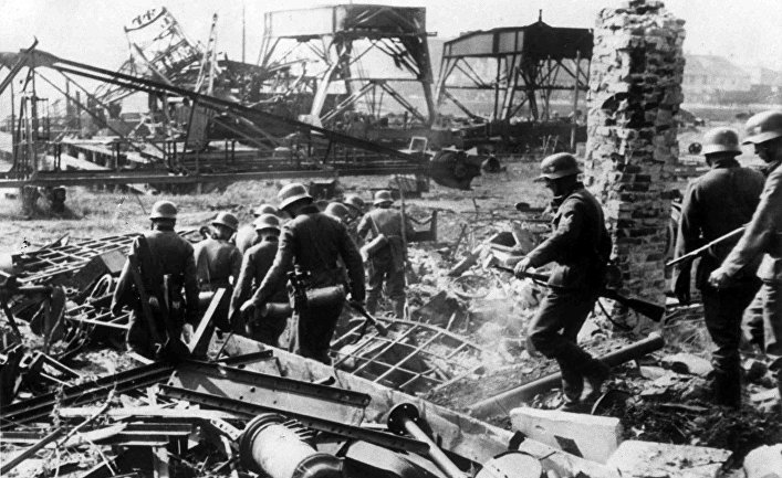Немецкие солдаты на Вестерплатте, 2 сентября 1939 года