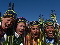 Ида Ингемарсдоттер (Швеция), Эмма Викен (Швеция), Анна Хог (Швеция), Шарлотте Калла (Швеция), завоевавшие золотые медали в эстафете на соревнованиях по лыжным гонкам среди женщин на XXII зимних Олимпийских играх в Сочи
