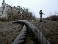 Украинский военнослужащий на линии фронта недалеко от города Авдеевка
