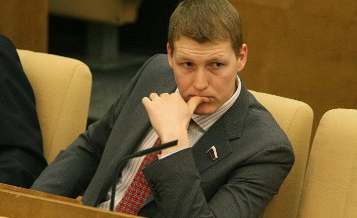Член Комитета ГД по информационной политике, информационным технологиям и связи Роберт Шлегель