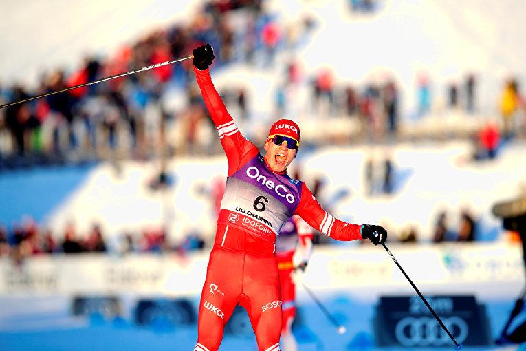 7 декабря 2019. Александр Большунов после победы в скиатлоне на Кубке мира