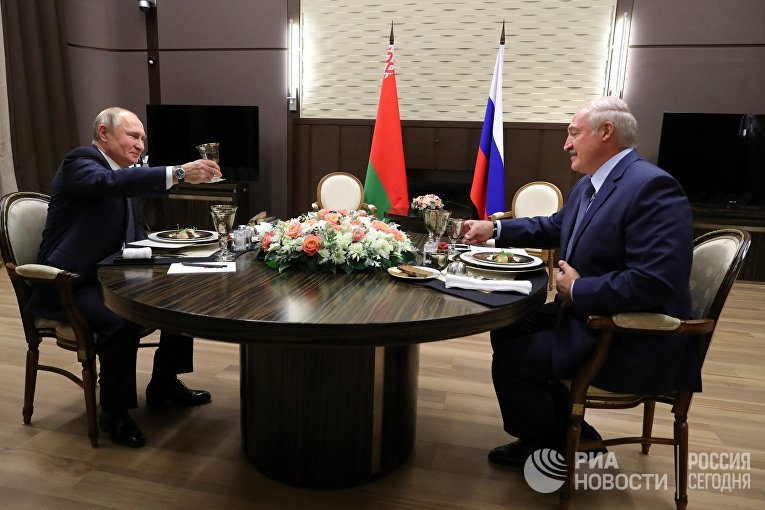 Президент РФ В. Путин провел переговоры с президентом Белоруссии А. Лукашенко в Сочи