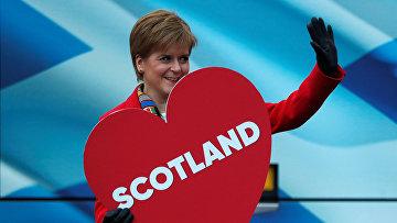 Лидер Шотландской национальной партии Никола Стерджен в Эдинбурге, Шотландия, Великобритания