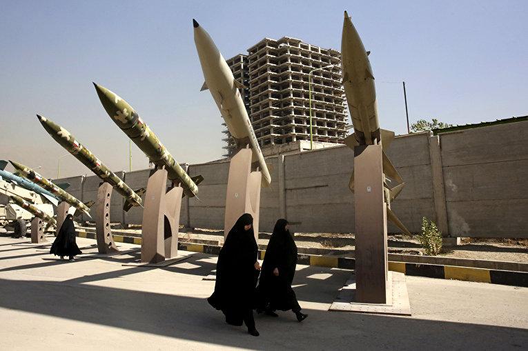 Женщины в Тегеране, Иран