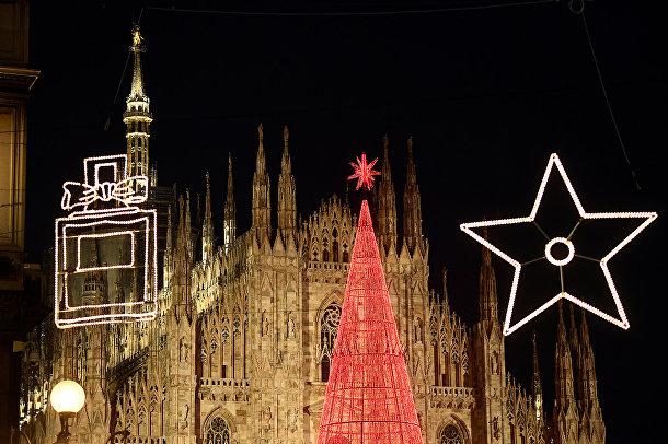 Рождественская елка в Милане