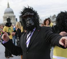 Участники «большого забега горилл» в Лондоне
