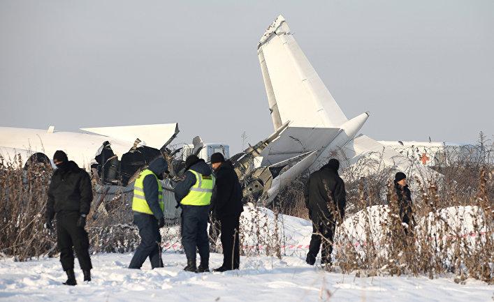 Самолет Fokker-100 авиакомпании Bek Air разбился недалеко от Алма-Аты, Казахстан