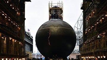 """Спуск на воду дизель-электрической подводной лодки """"Волхов"""""""