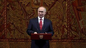 Президент РФ Владимир Путин во время торжественного вечера в Большом театре