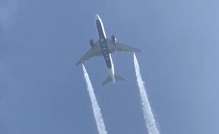 Самолет Boeing 777 сбросил лишнее топливо недалеко от Лос-Анджелеса