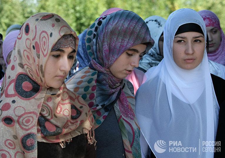 Акция «Как должна одеваться чеченская женщина»
