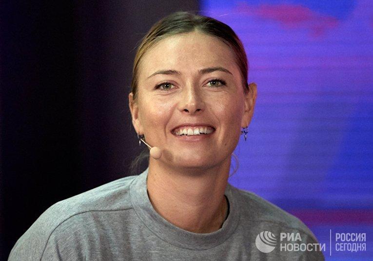 Теннисистка М. Шарапова снялась с турнира в Санкт-Петербурге