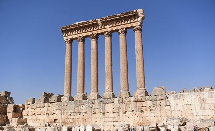 Храм Юпитера (Баала, Зевса Гелиополиса) в храмовом комплексе древнего ливанского города Баальбек