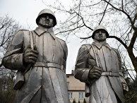 Памятник воинам, павшим в боях за освобождение города Домброва-Гурнича, Польша