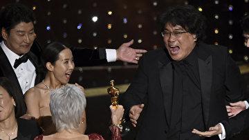 """Пон Чжун Хо на церемонии вручения премии """"Оскар"""" в Лос-Анджелесе"""